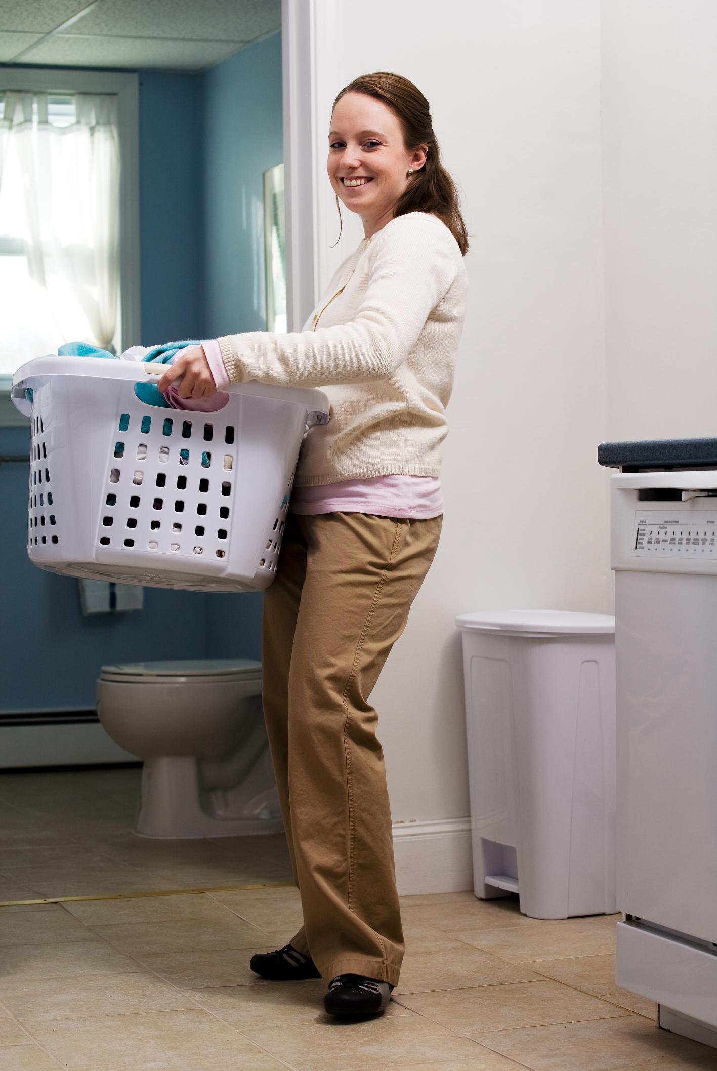 Cómo escribir un currículo para posiciones de tareas domésticas  