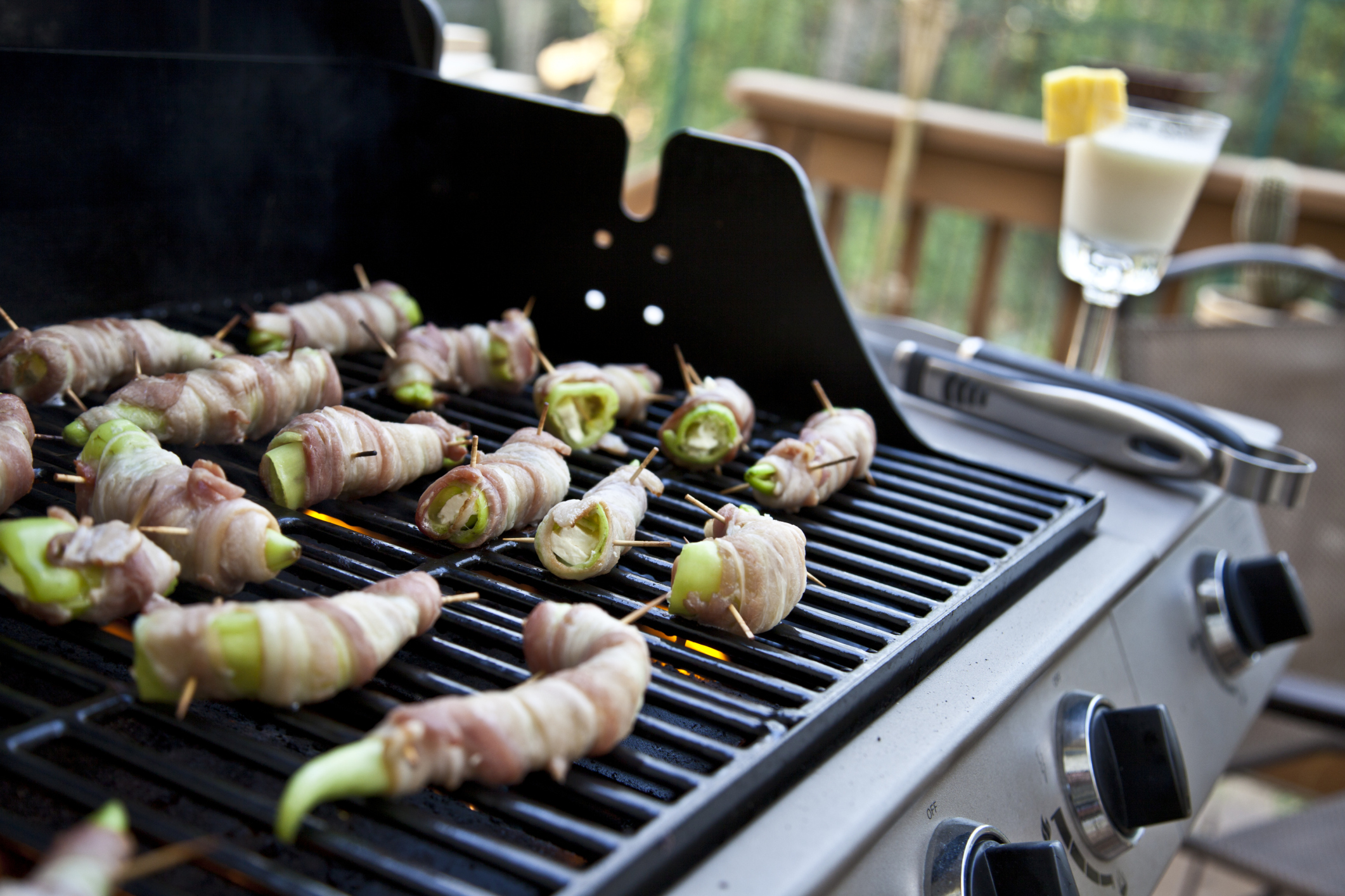 benefits of using lava rock for grilling | livestrong
