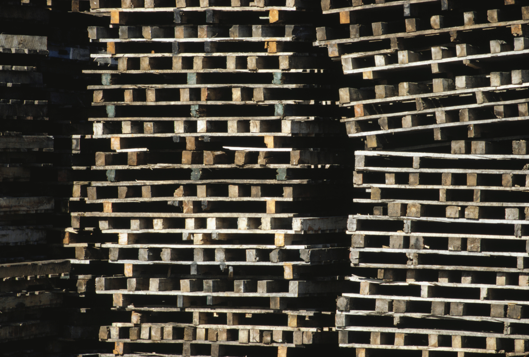 How to Calculate Pallet Size | Bizfluent
