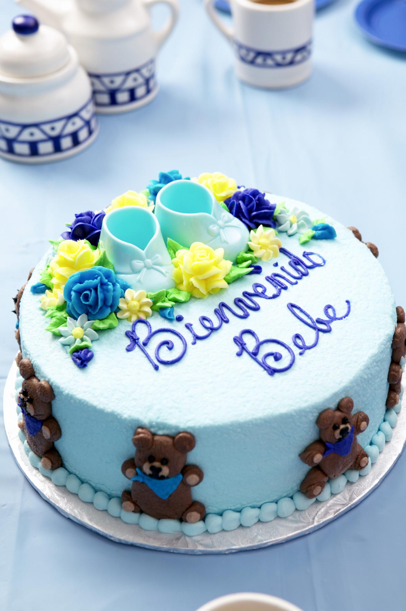 Instrucciones para decorar un pastel con un aerógrafo  