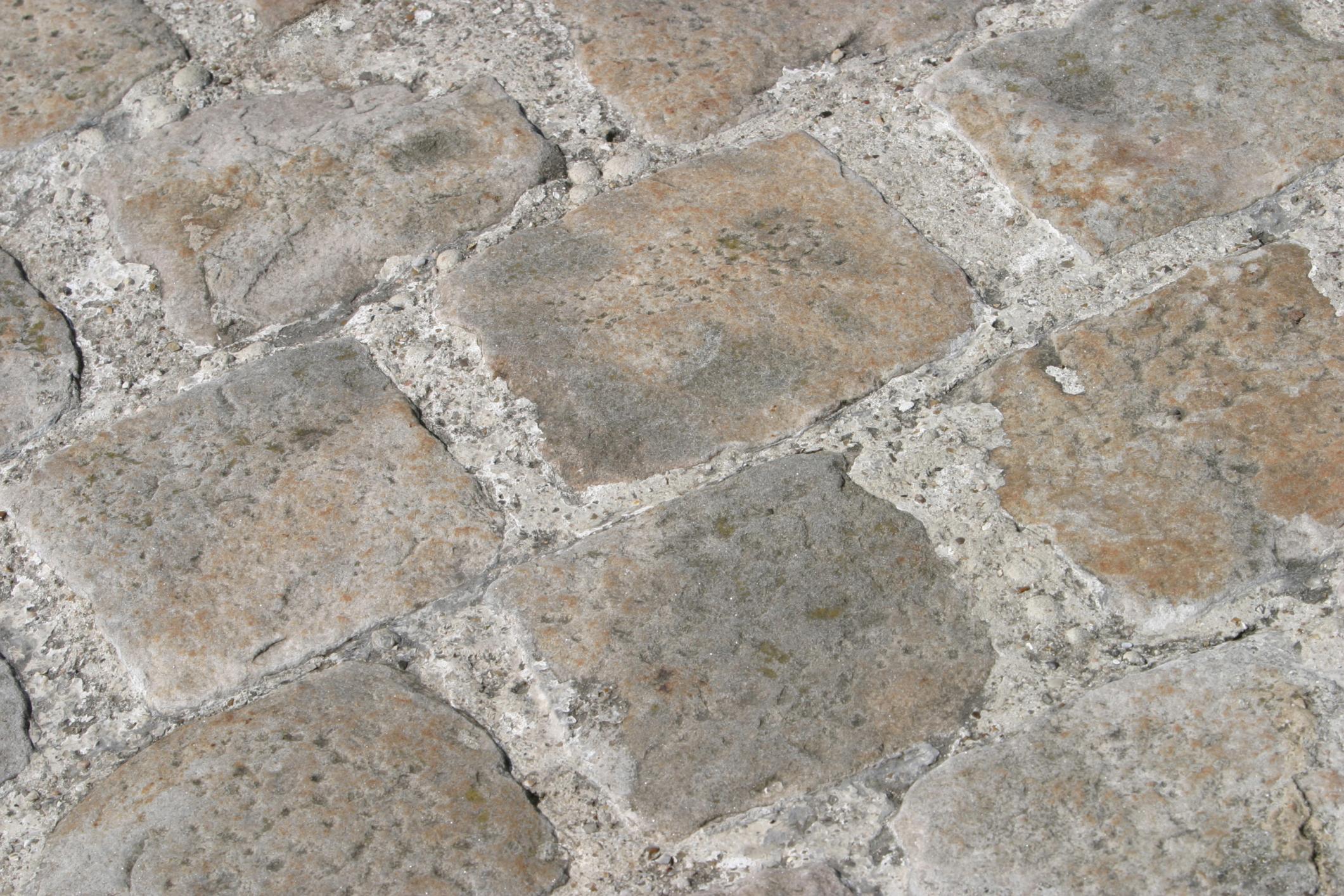 Cómo Hacer Una Imitación De Piedra En Un Piso Exterior De Hormigón