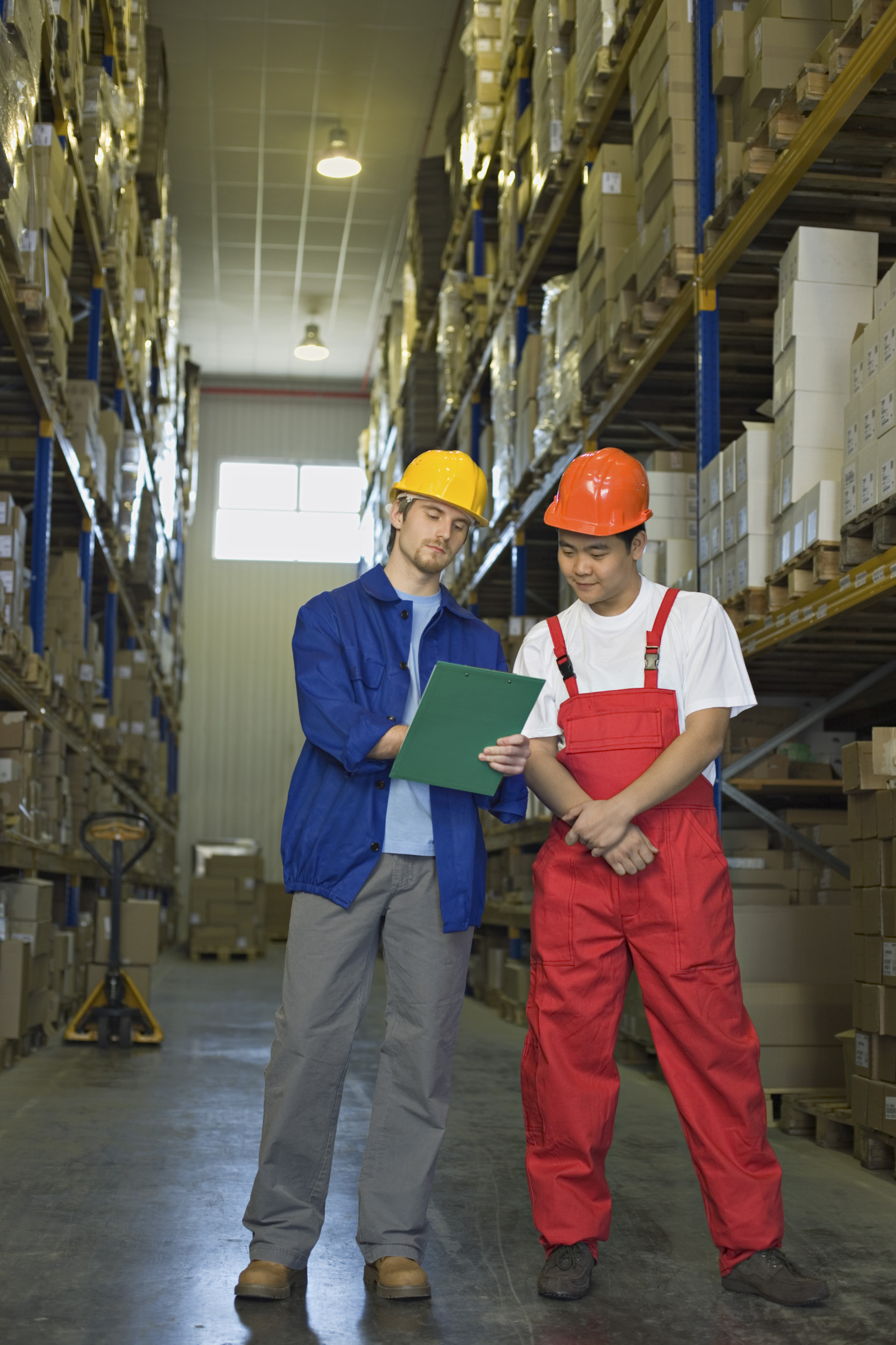 what is a logistics supervisor