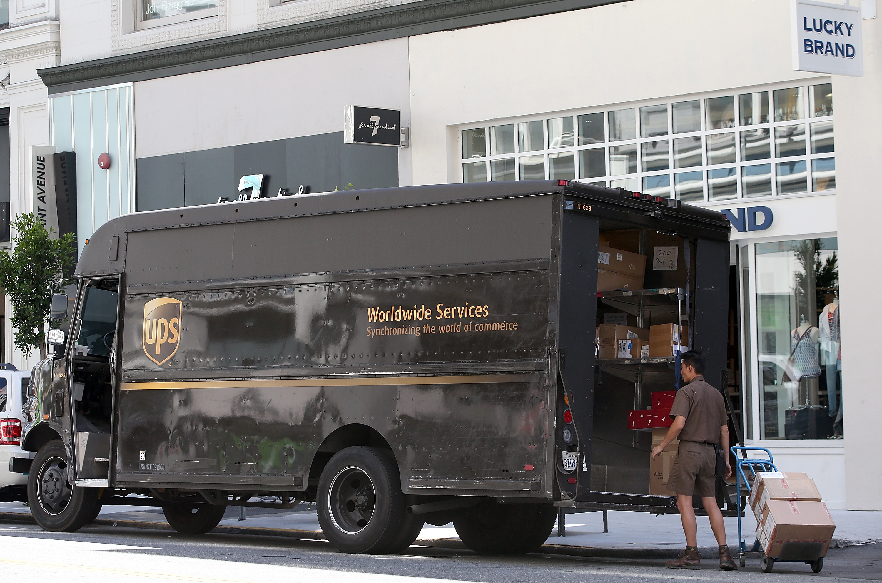 Ups Package Delivery Driver Pay >> How To Become A Ups Driver