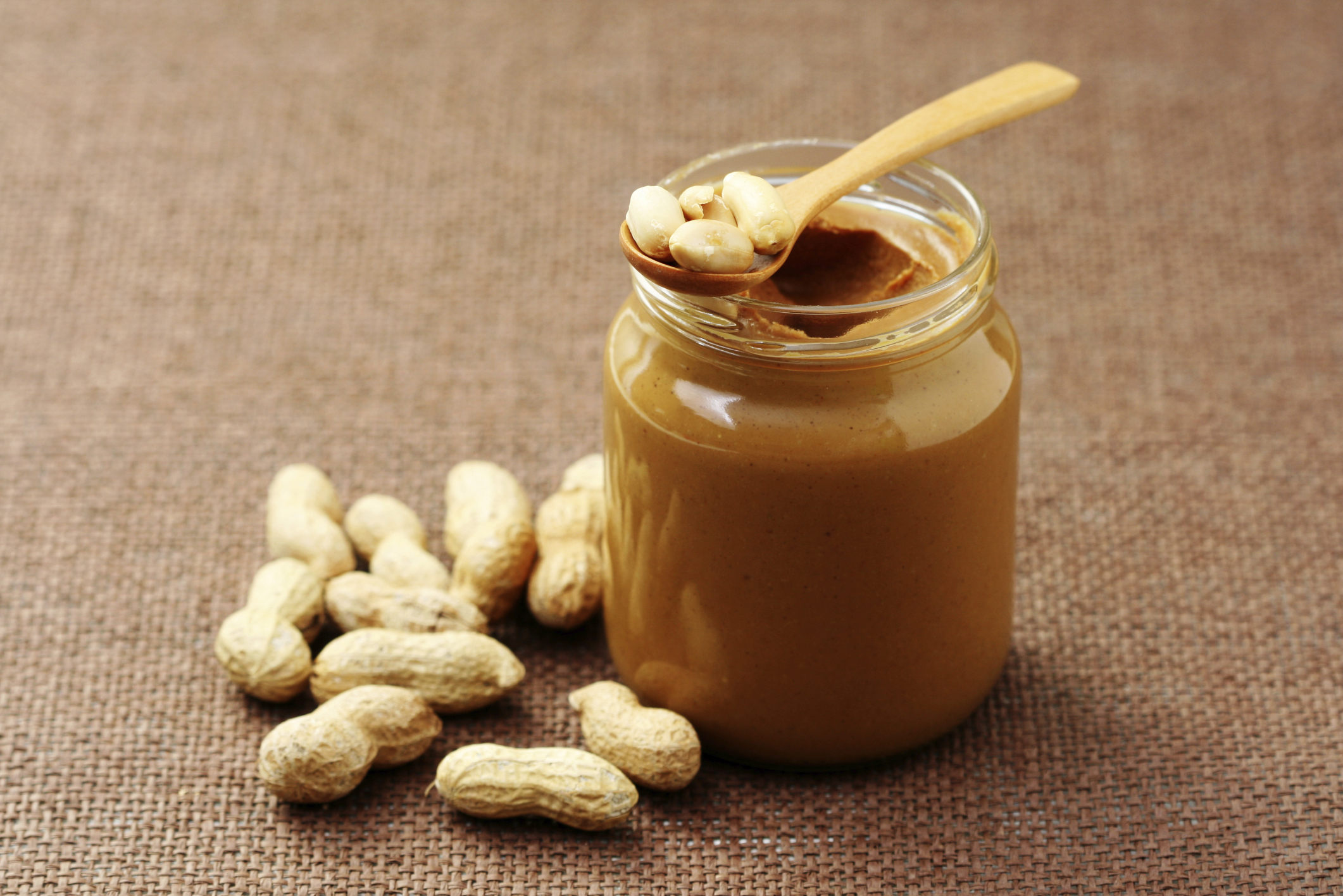 how peanut butter helps you burn fat | livestrong