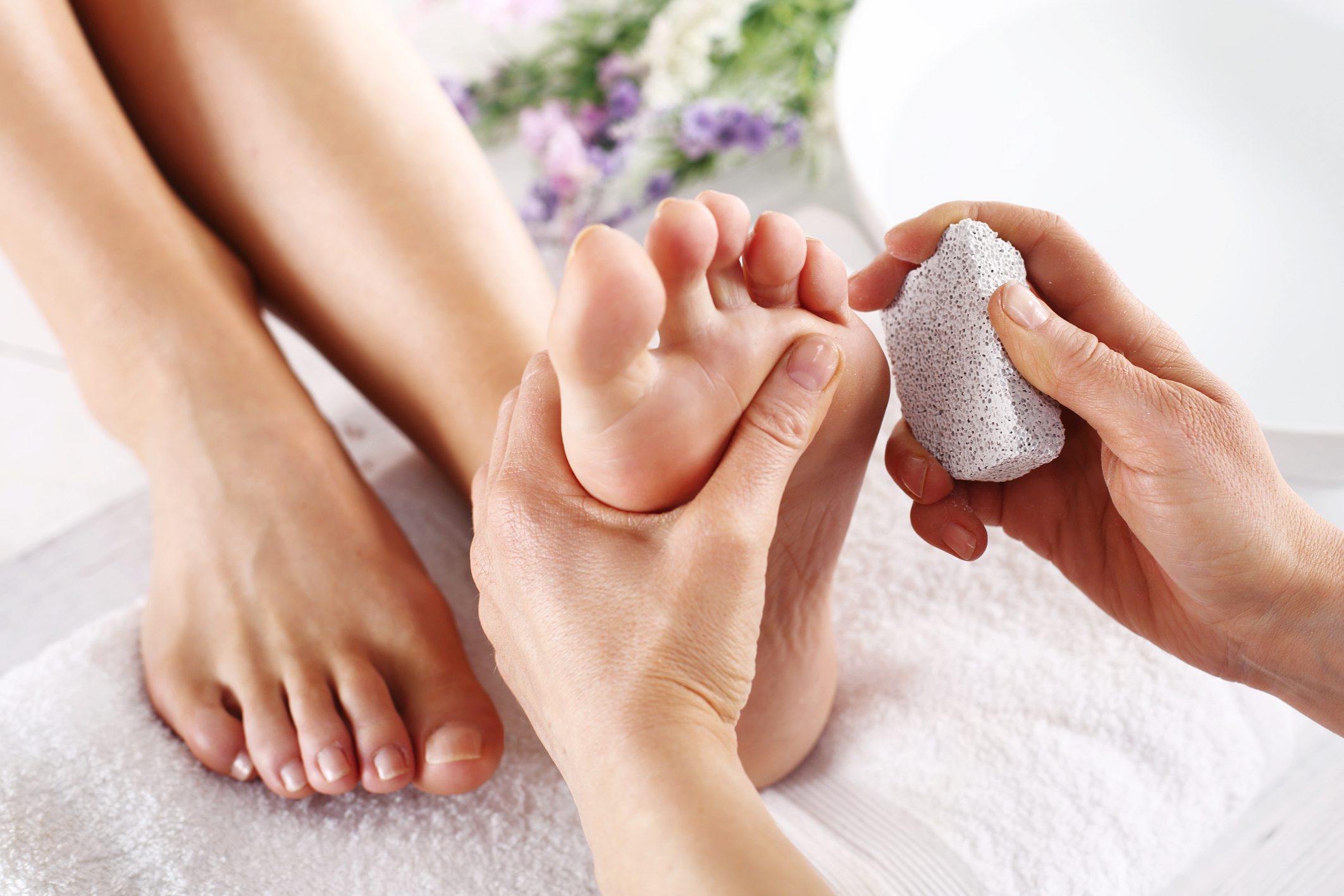 How to treat peeling skin on feet livestrong ccuart Image collections