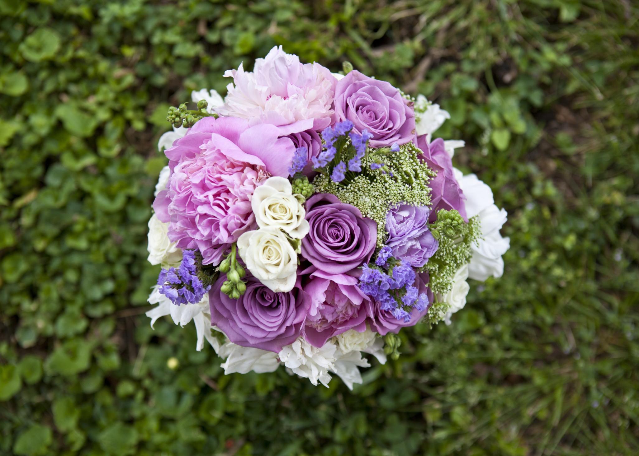 What Do Lavender Roses Mean?   LIVESTRONG.COM