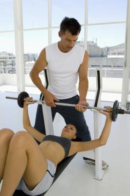 Decline bench press vs incline bench press woman - Incline and decline bench press ...