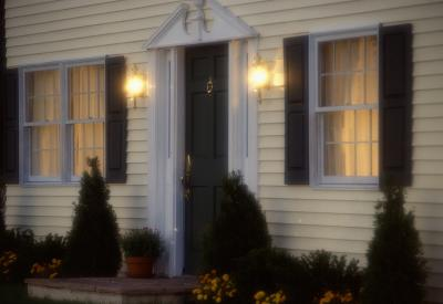 Installing Light Fixtures On Vinyl Siding Ehow Uk