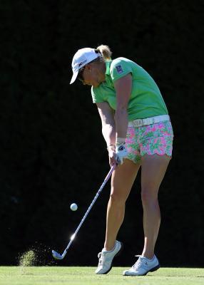 The Best Golf Hand Position for Women   Chron com