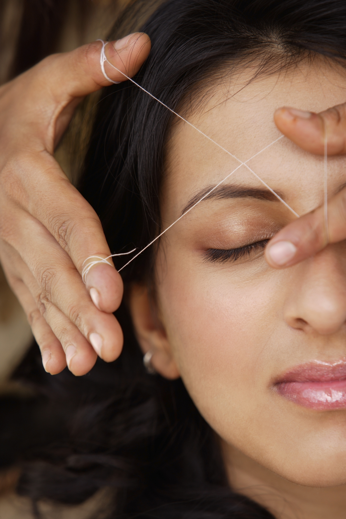 How To Pluck Your Eyebrows With Strings Our Everyday Life