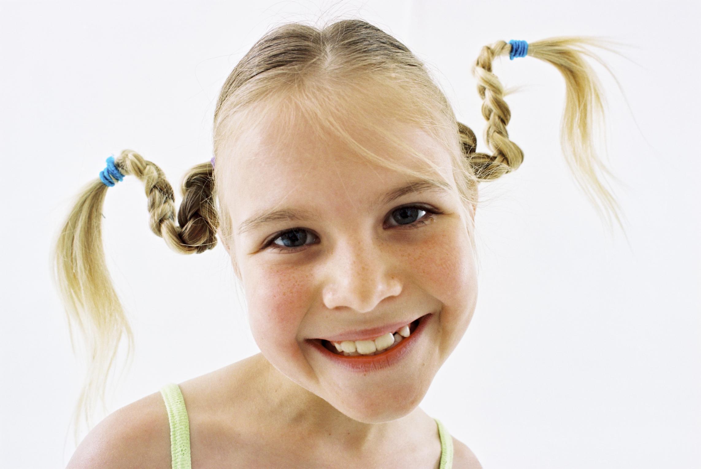 Como Hacer Peinados Locos Para Un Dia Del Pelo Loco En La Escuela