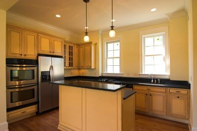 paint colors for kitchens with maple cabinets what color of paint looks with maple cabinets 9687
