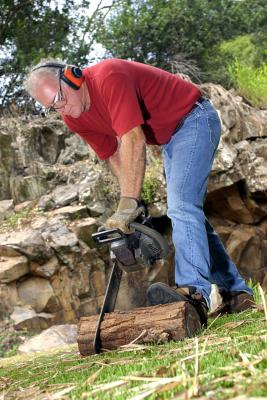 How to Check Your Spark Arrestor When Your Chainsaw Won't