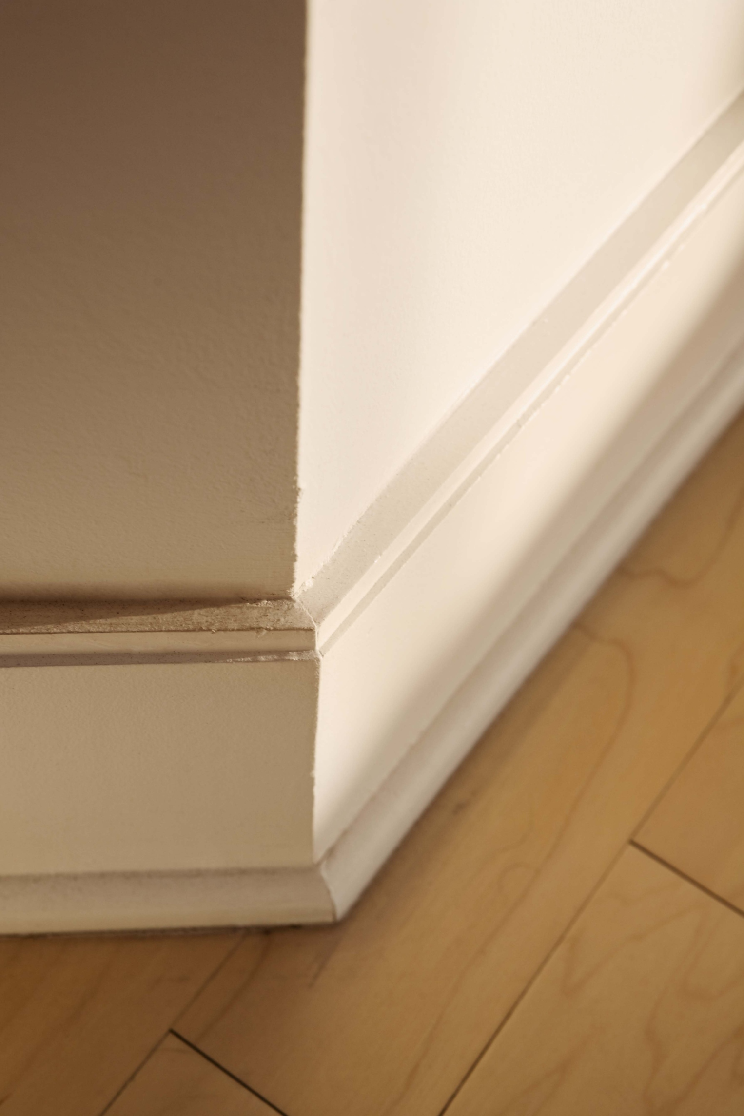 What Baseboard Is Better Plastic Or Wood