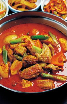 What Is a Good Thickening Agent for Indian Curry?