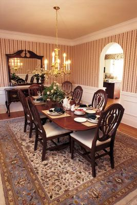 How To Decorate An 18th Century Styled Dining Room