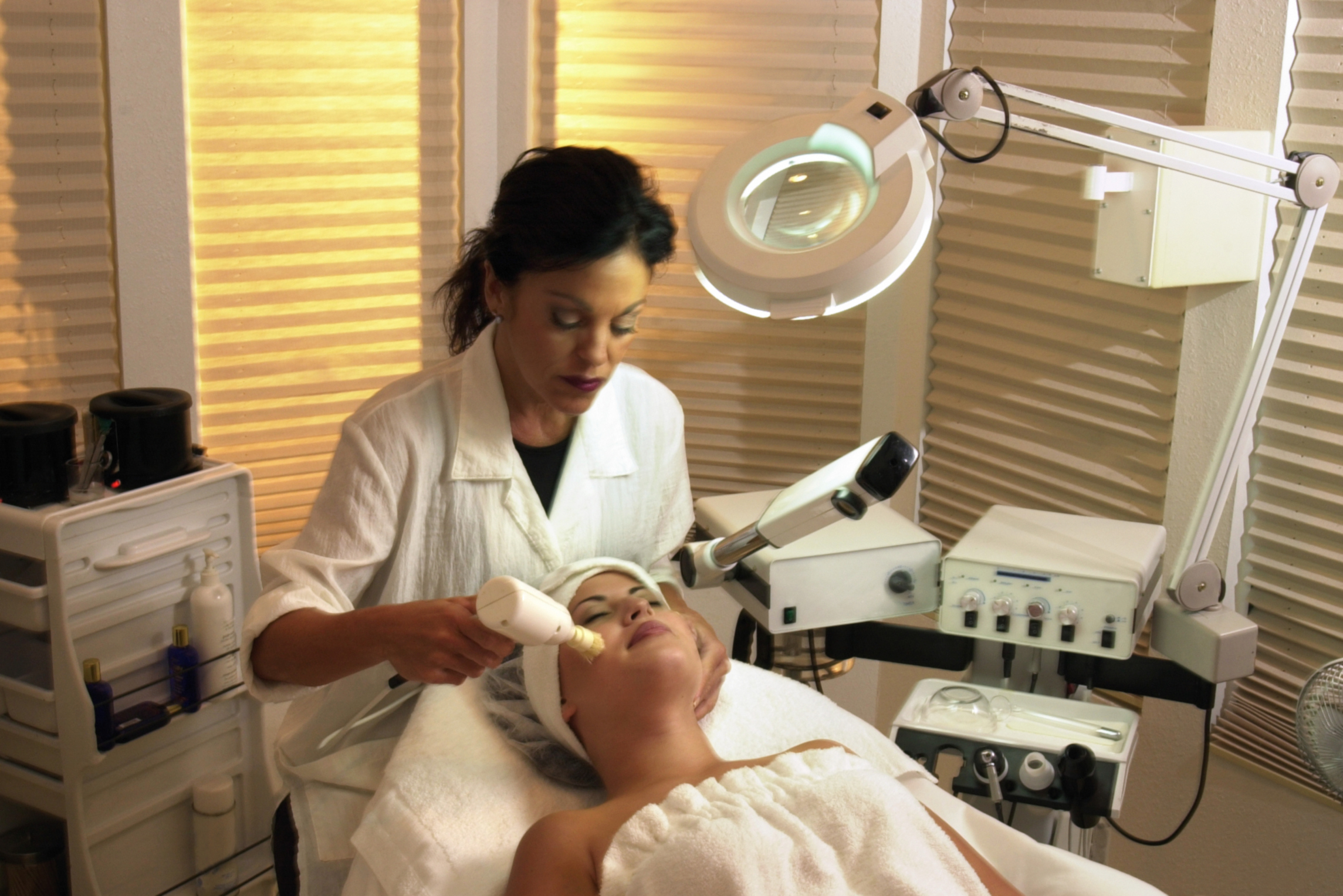 Salary of a Cosmetic Dermatologist | Chron com