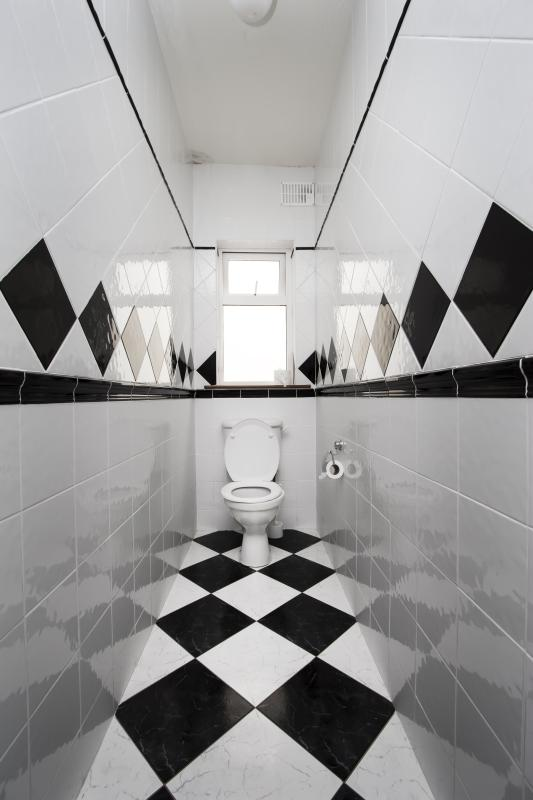 What Color Looks Good With Black And White Chess Tile Bathroom