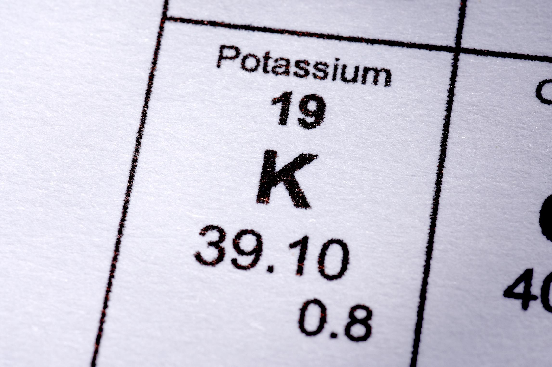 As batatas doces contêm uma quantidade significativa de potássio.