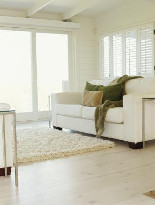 How To Decorate A Room That Has White Carpet White Couches