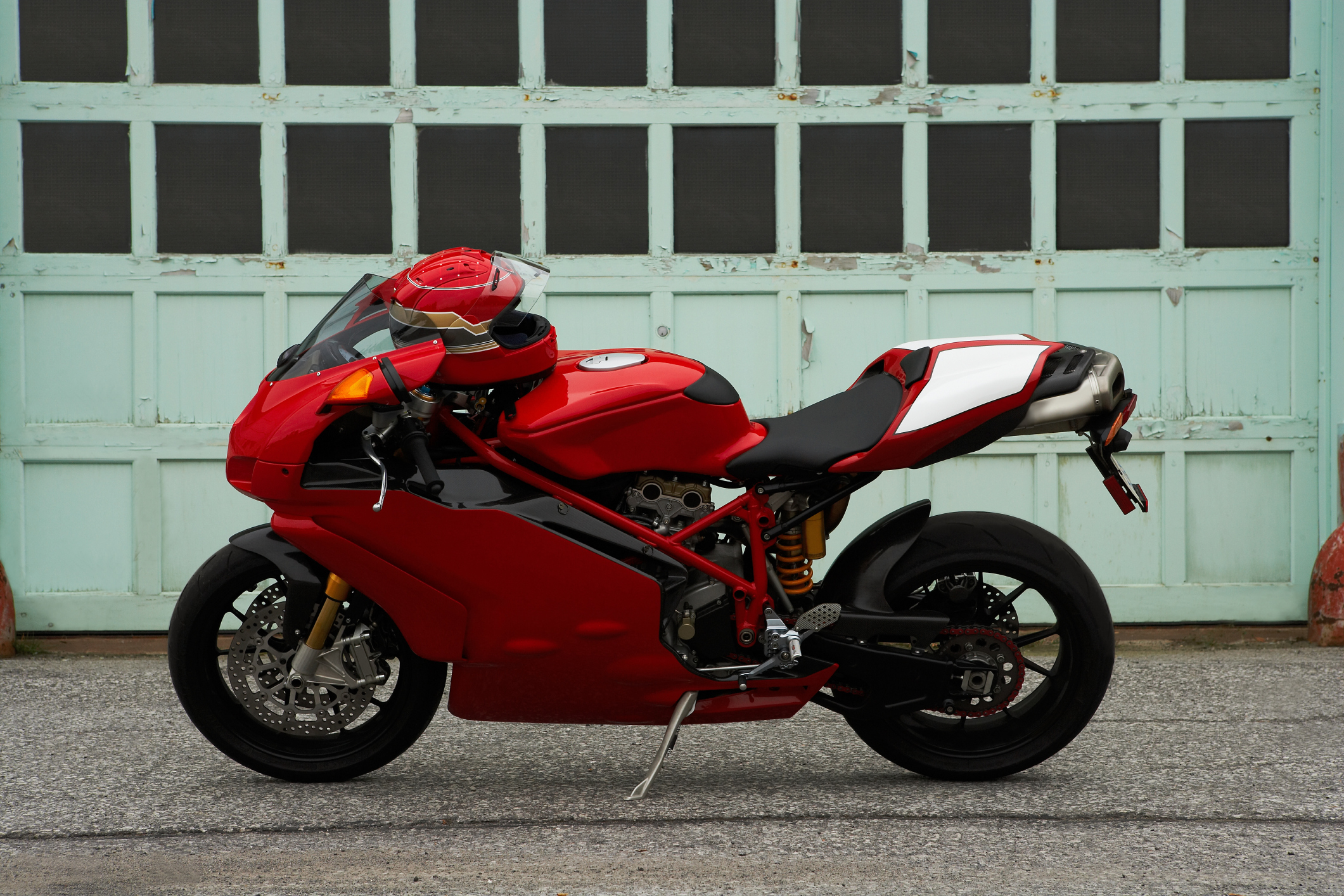 How Much Money Can a Motorcycle Engineer Make? | Bizfluent