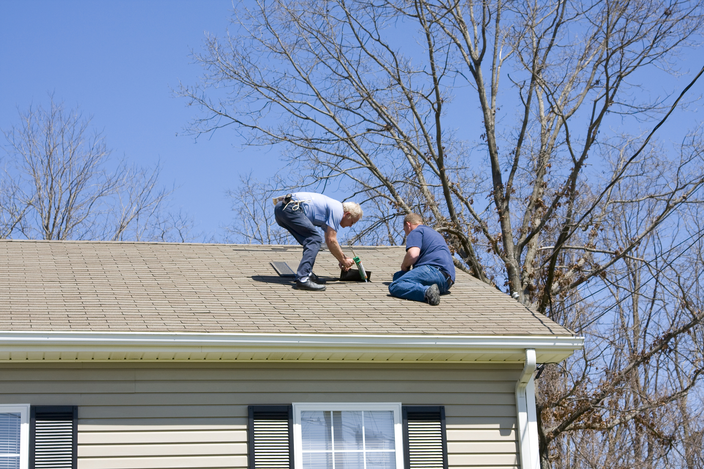 How to Bid for Roofing Jobs | Bizfluent