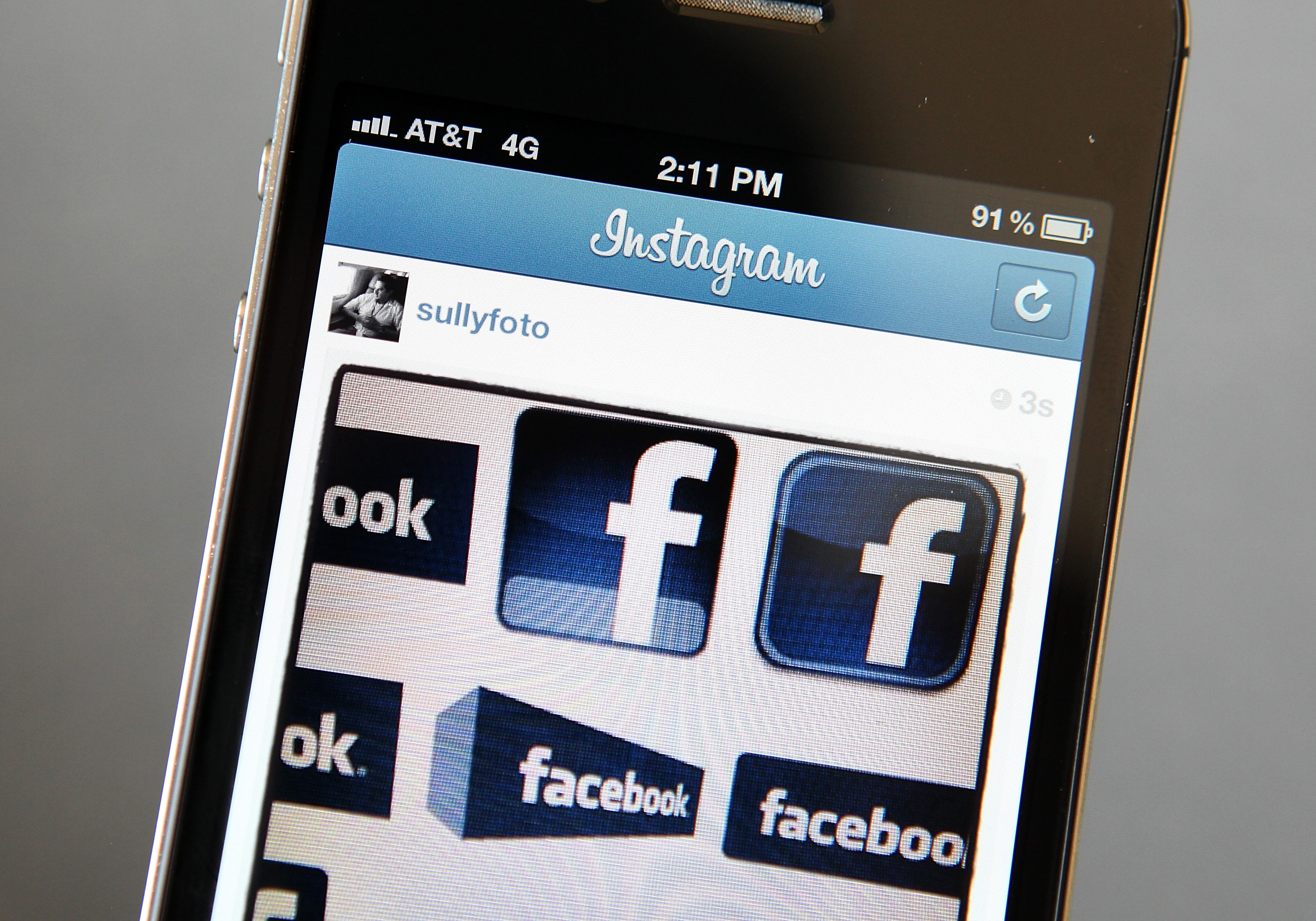 How to Convert a PDF File Into a Photo for Facebook
