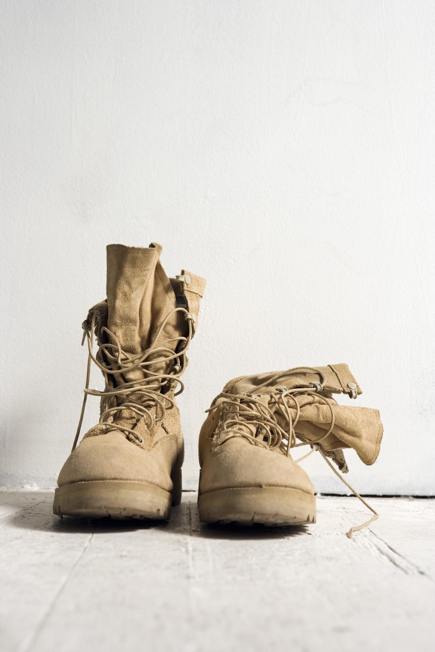 bolita Tropezón melodía  Cómo arreglar las puntas peladas de los zapatos?