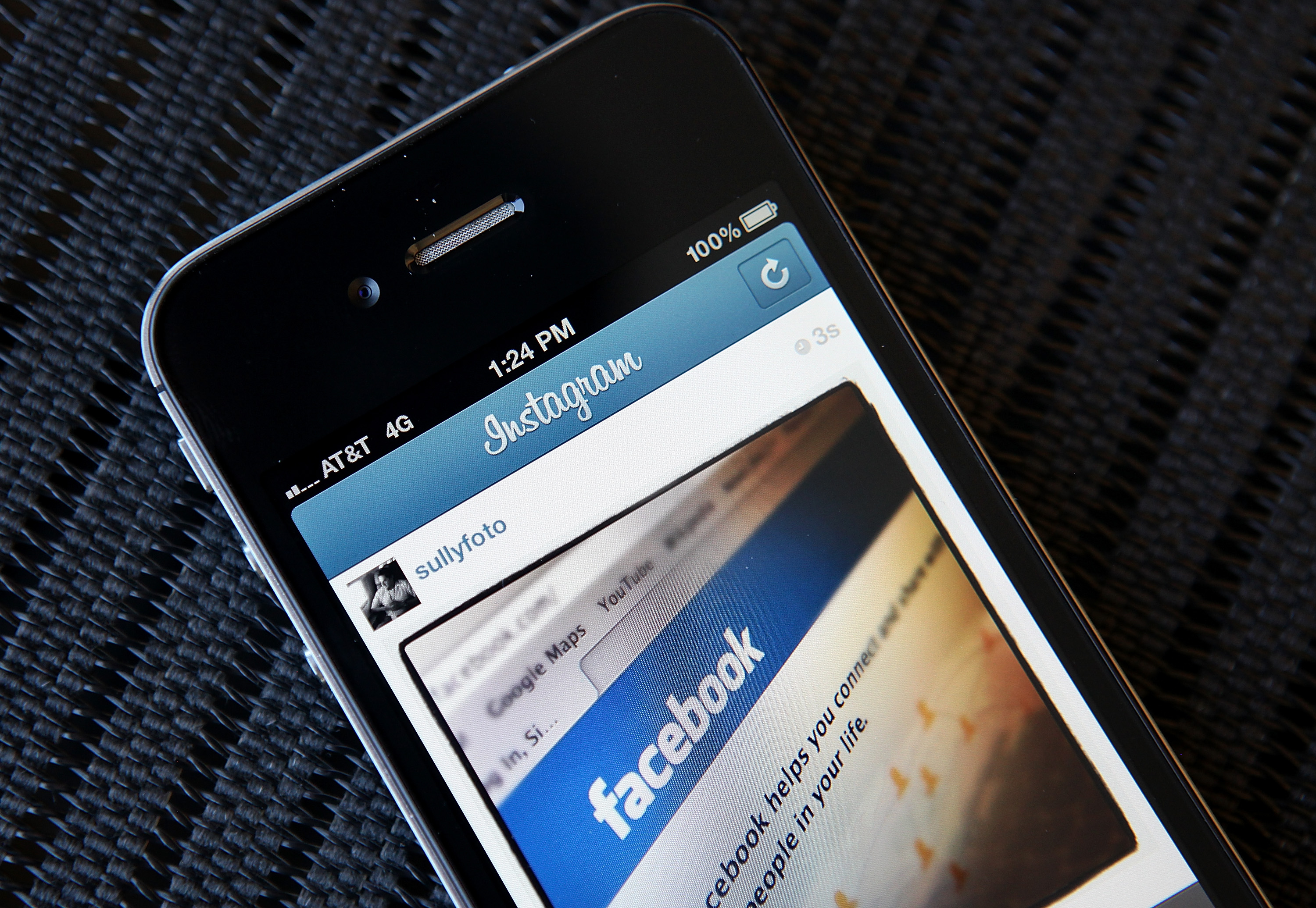How to make a photo album on facebook iphone