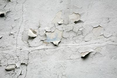 How to Remove Emulsion Paint From Plaster