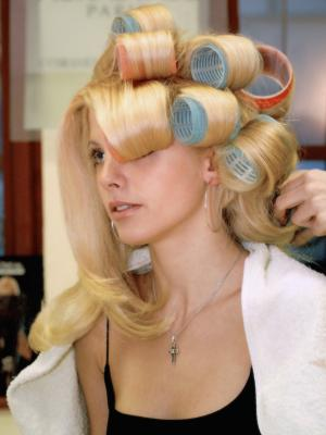How to Use Velcro Rollers So They Don't Tangle