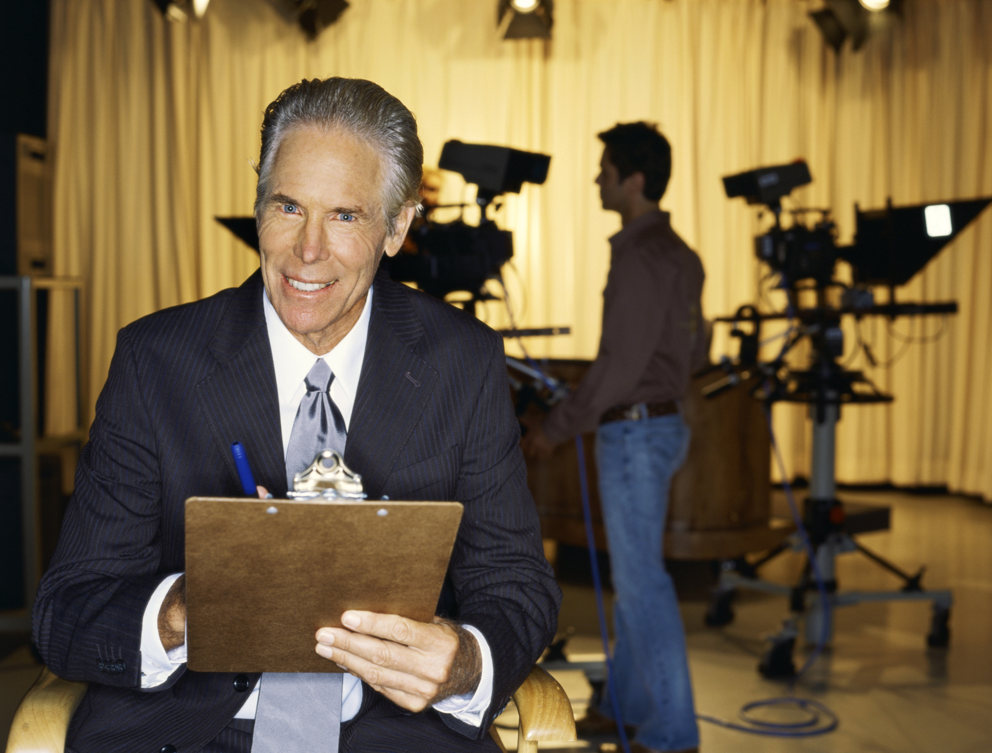 What Are the Salaries of TV Anchors?   Bizfluent