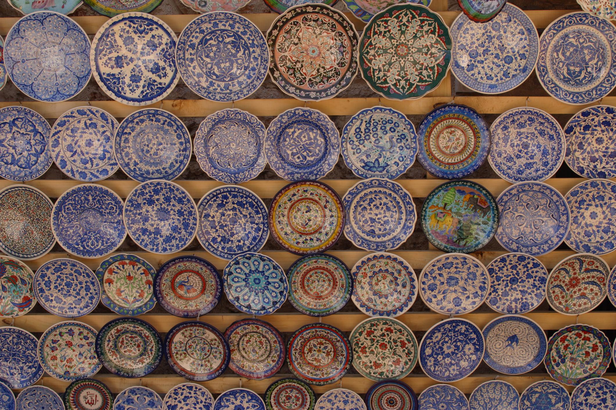 How to Identify Imari Porcelain