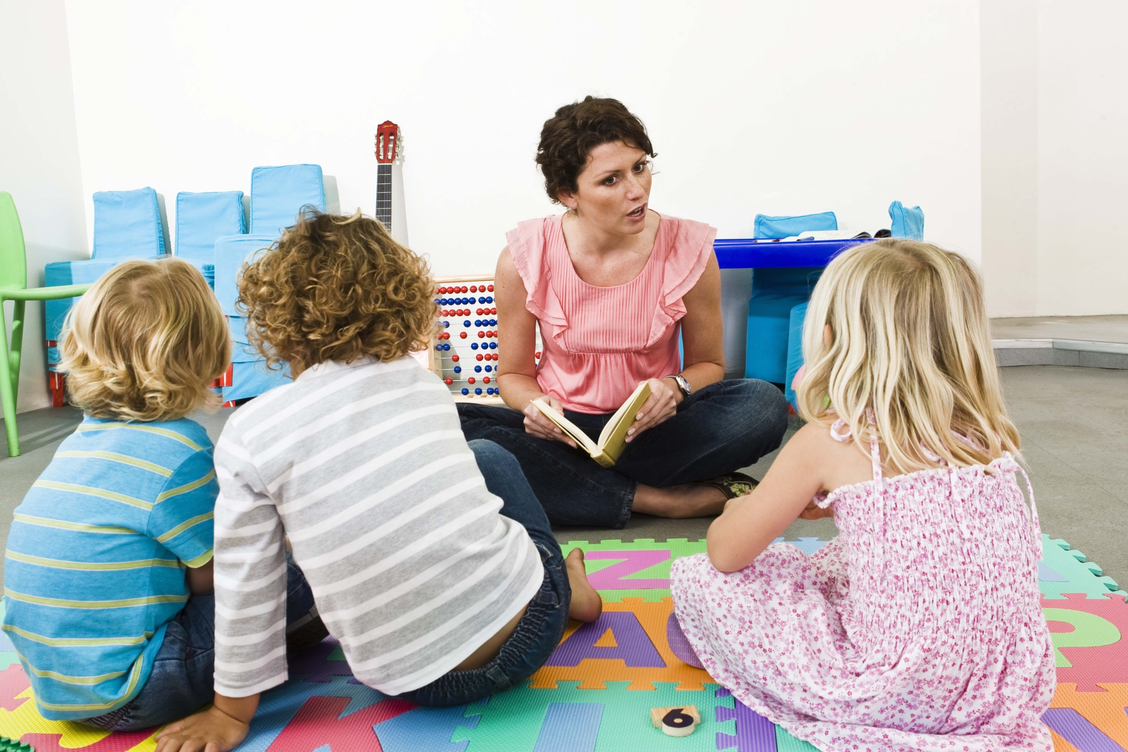 89791434 - Why A Kindergarten Teacher