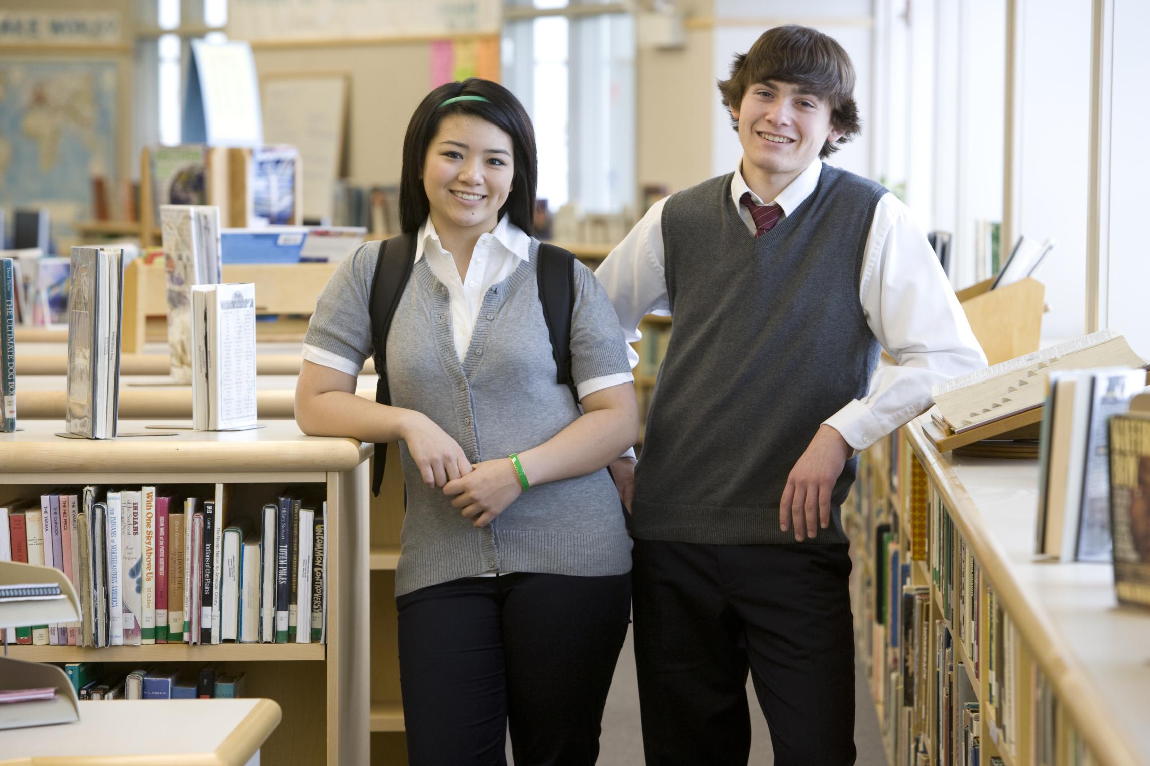 Disadvantages & Advantages of High Schools Adopting Dress Codes