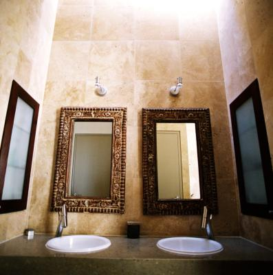 Frame Directly On A Mirror With Molding, How To Frame A Bathroom Mirror With Crown Molding
