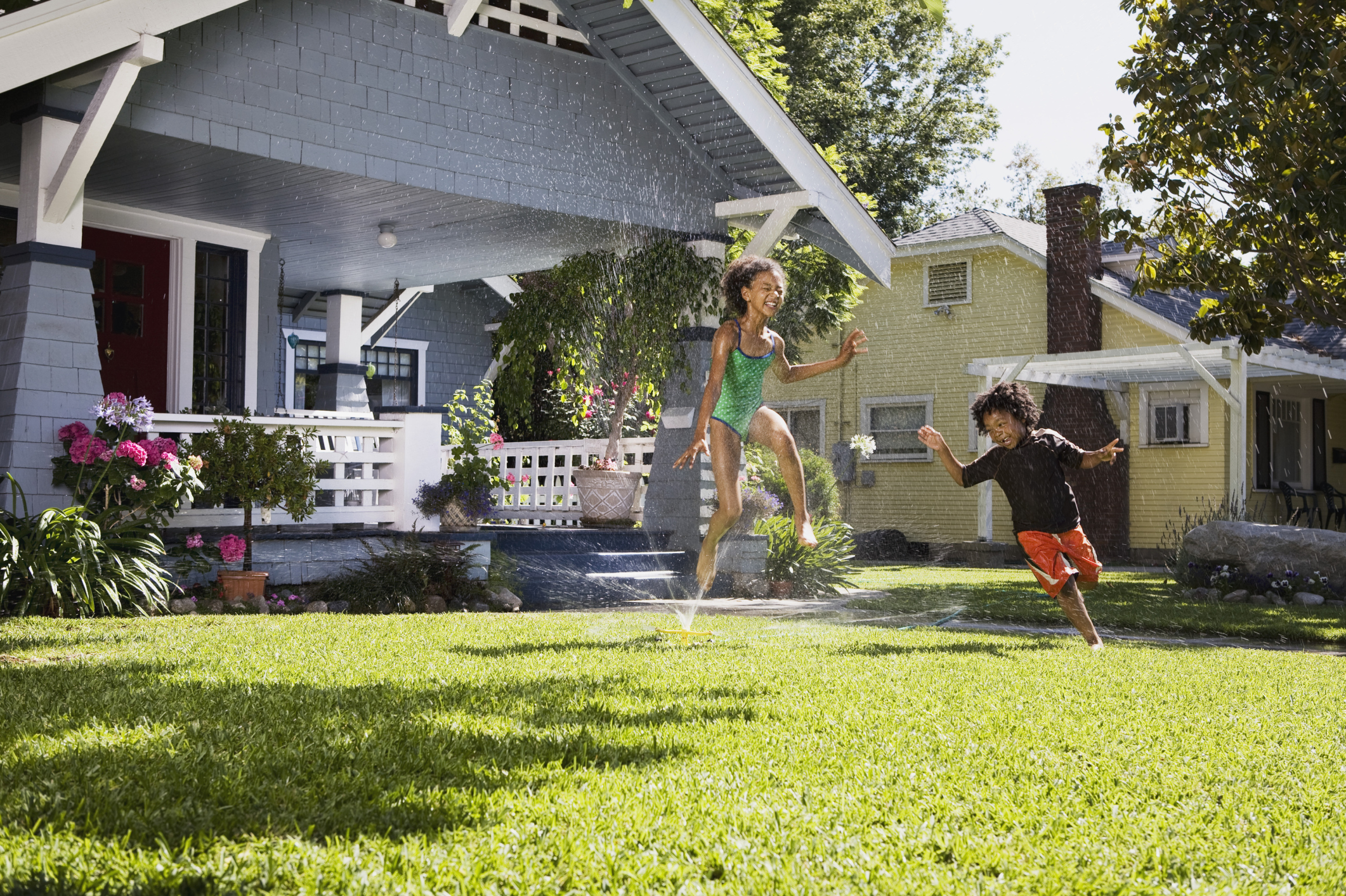 How to Change Hunter Lawn Irrigation Sprinkler Heads | Home