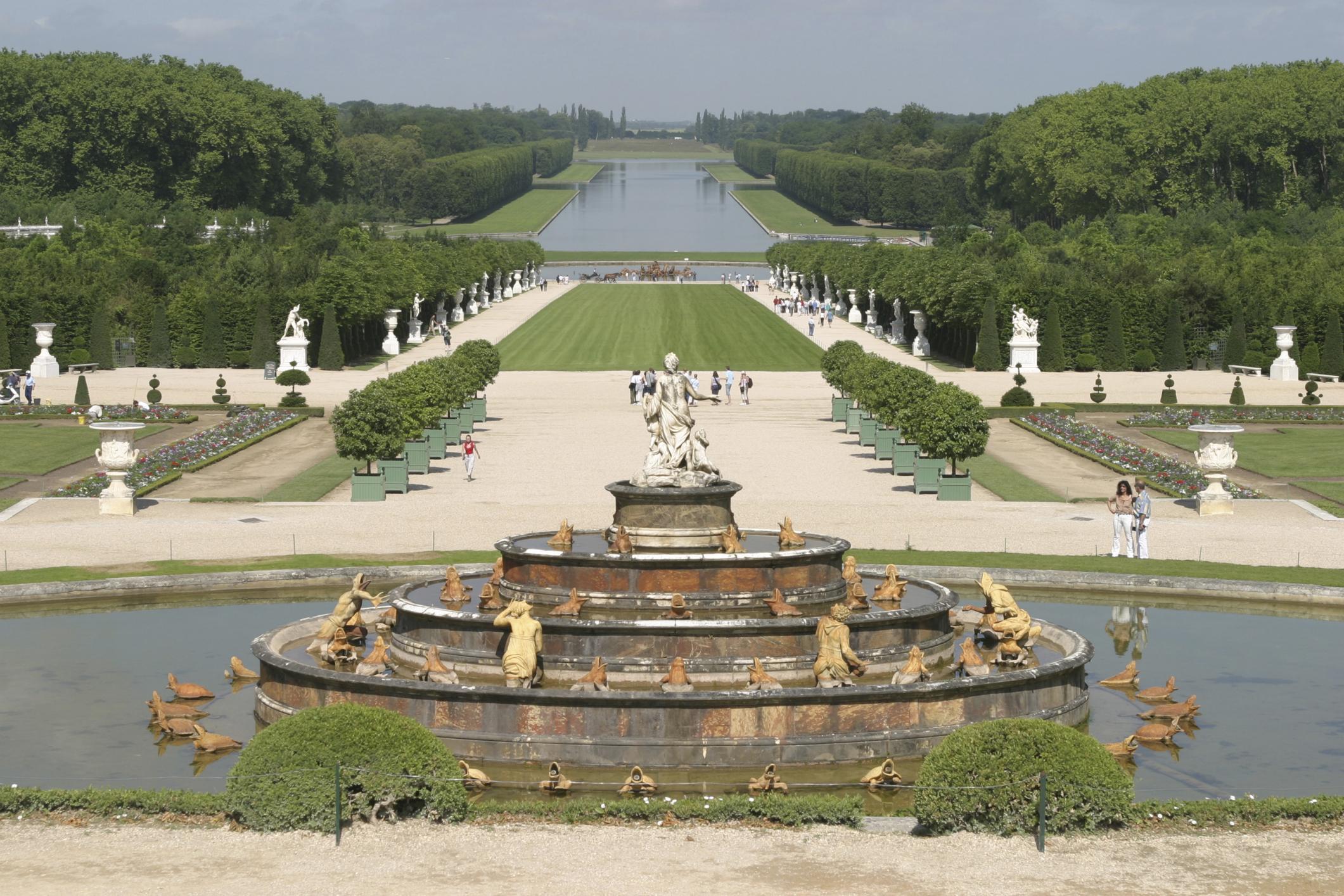 Gardens Palace Of Versailles Exterior 11