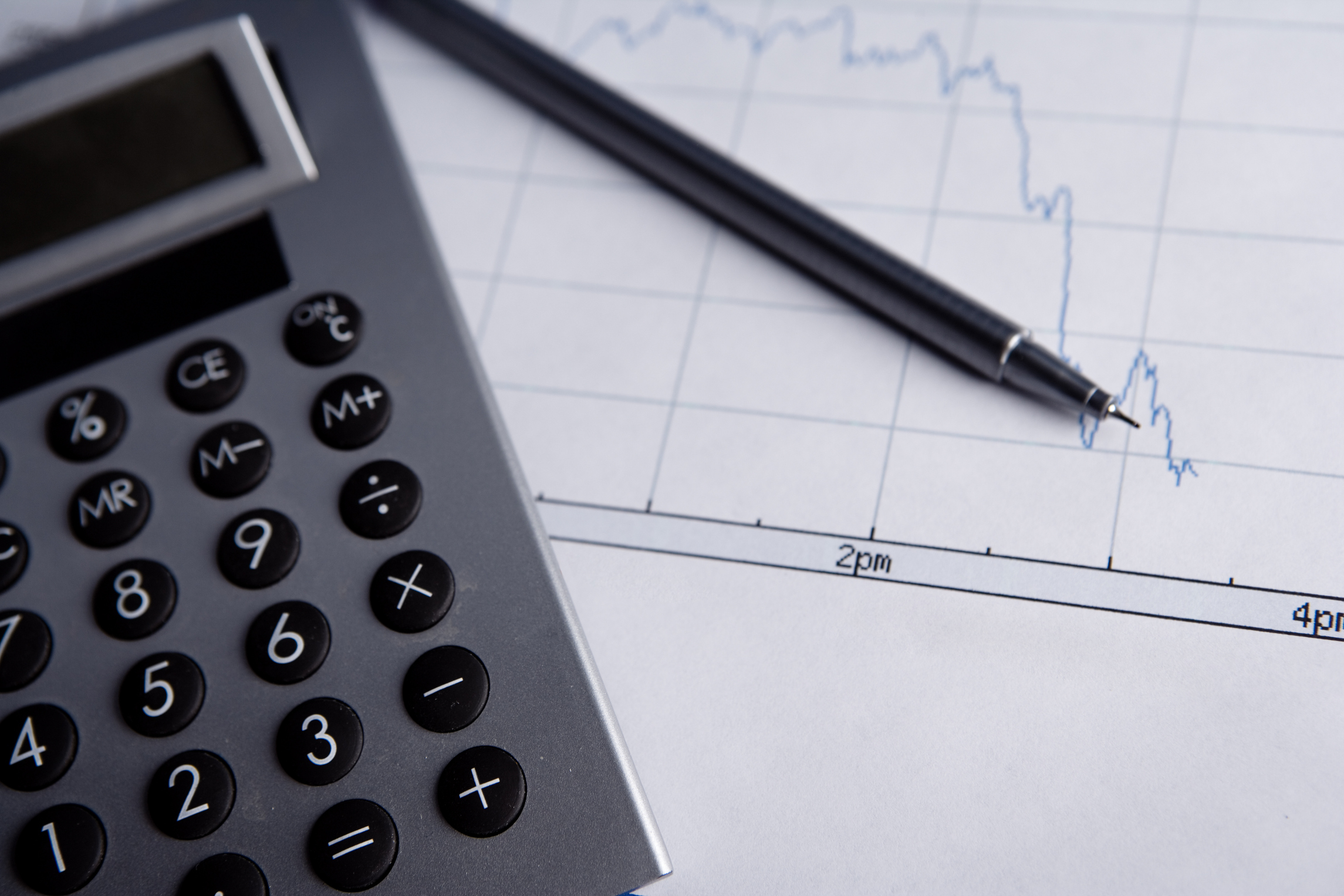 The Average Salary of a Senior Financial Analyst with a
