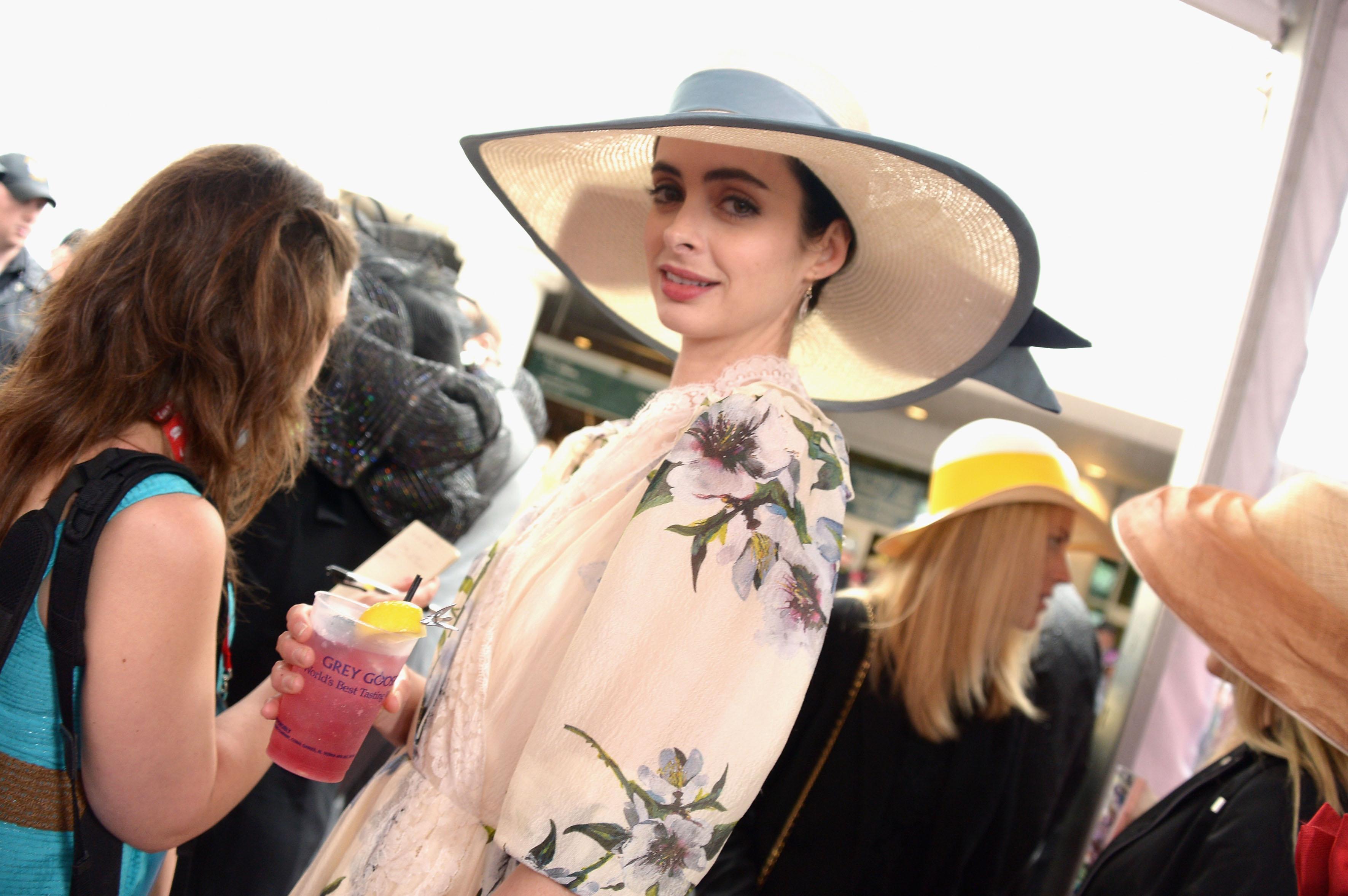 1dc9b699bd4a6 Etiquette Rules for Women Wearing Hats