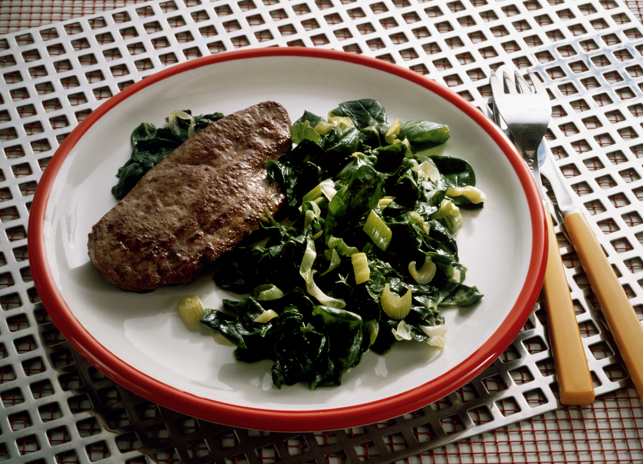 The liver of beef. Benefits and contraindications for use