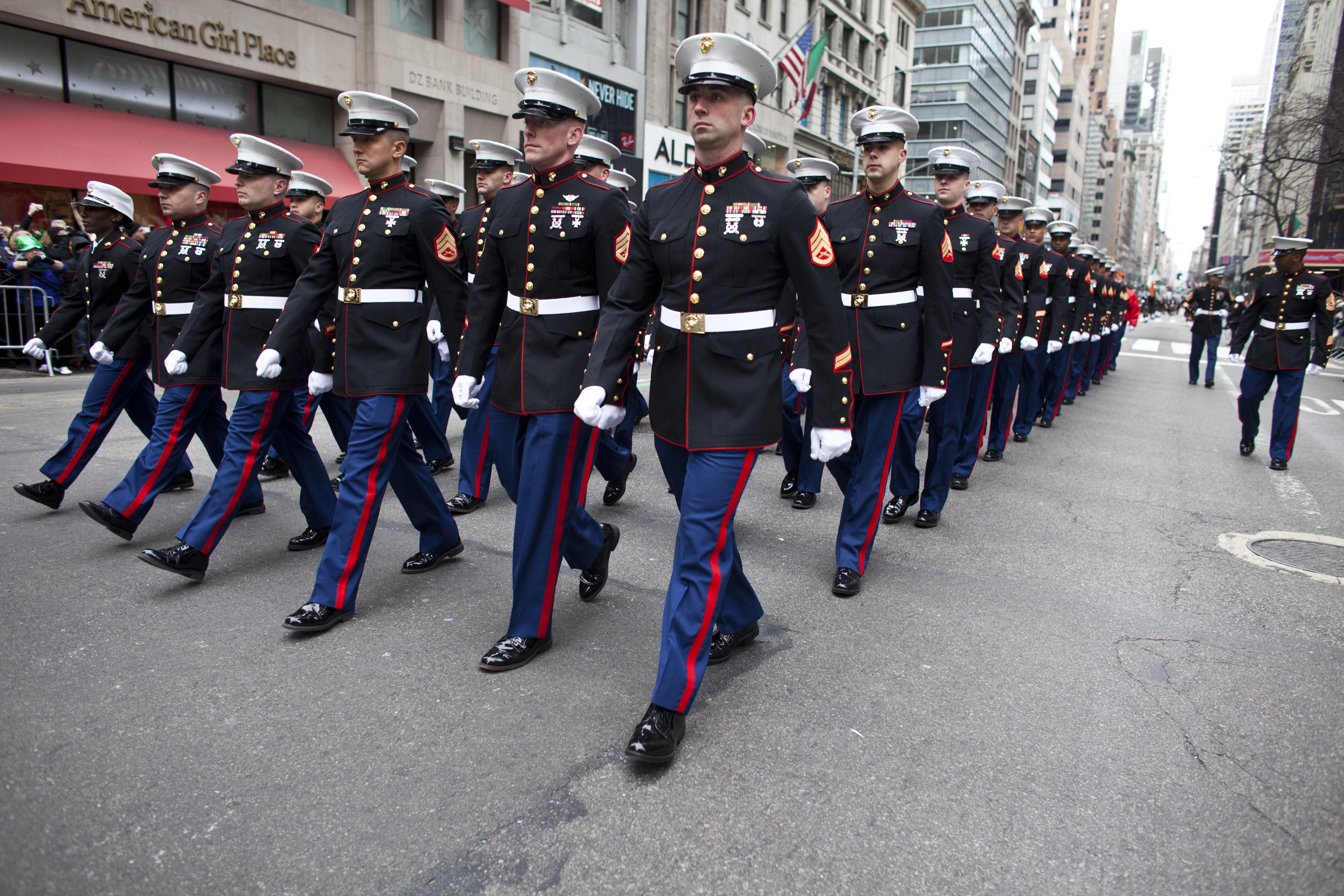 How to Wear a Marine Corps Dress Uniform
