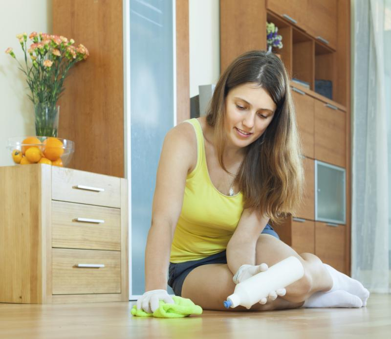 Alcohol-Based Recipe for a Hardwood Floor Cleaner | Home Guides | SF
