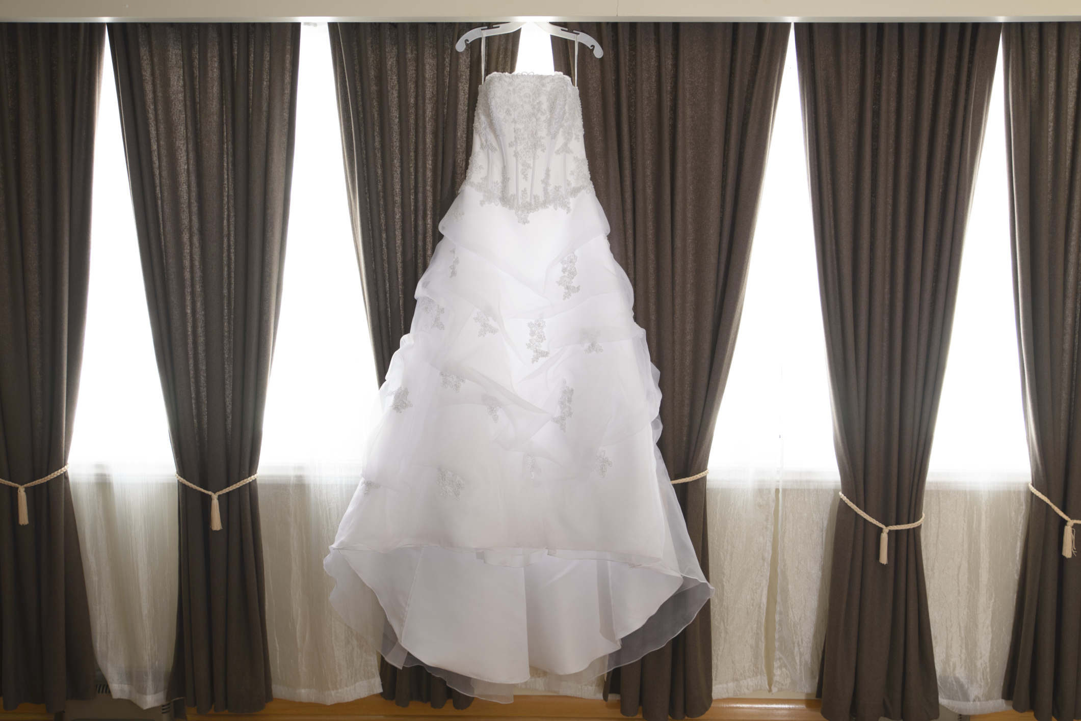 How To Make My Yellowed Wedding Dress White Again