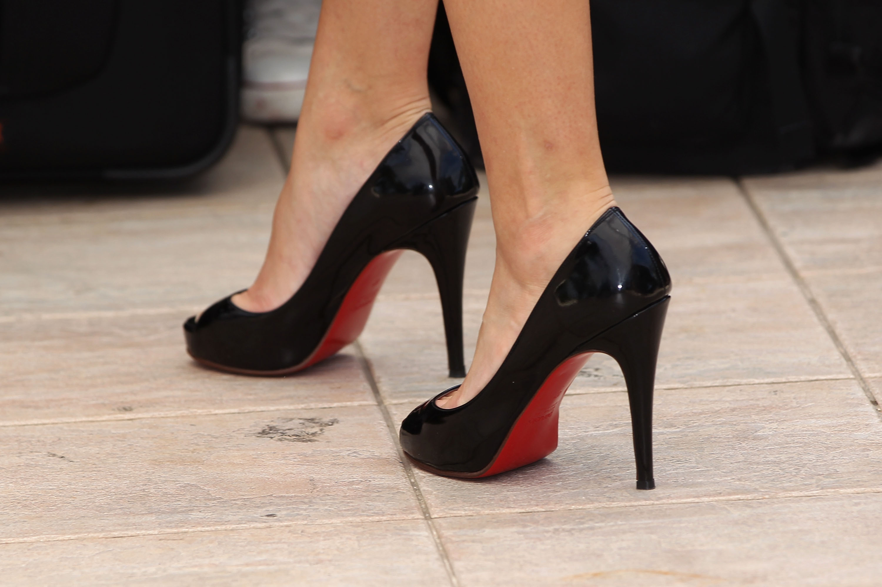 christian louboutin outlet france