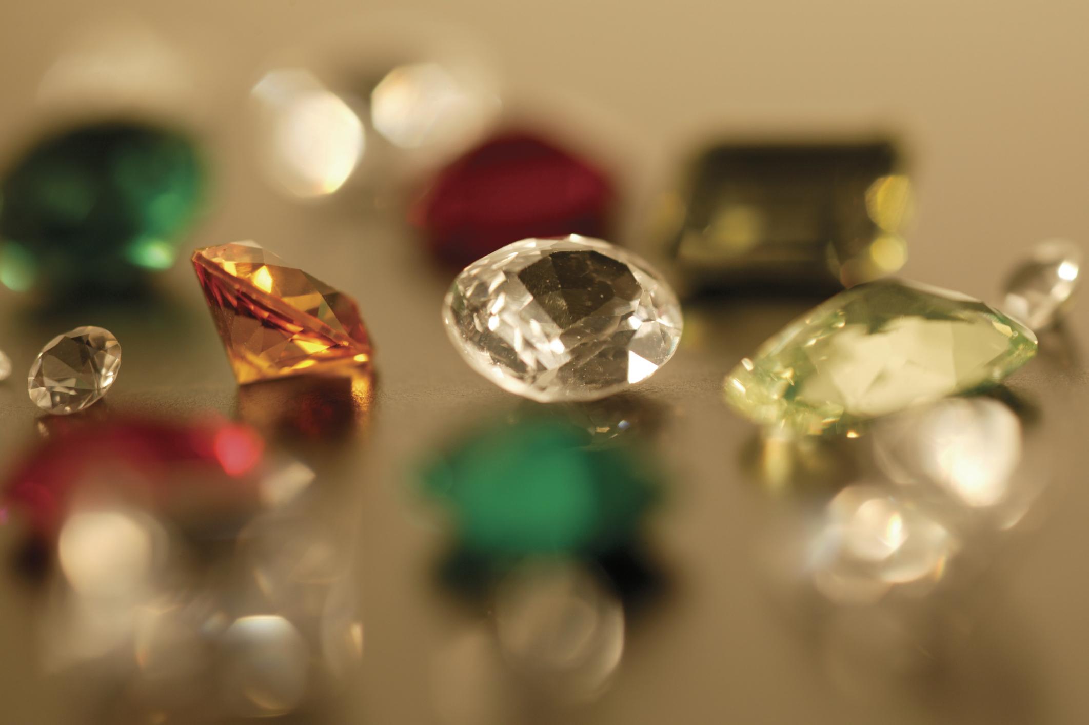 piedras preciosas falsas