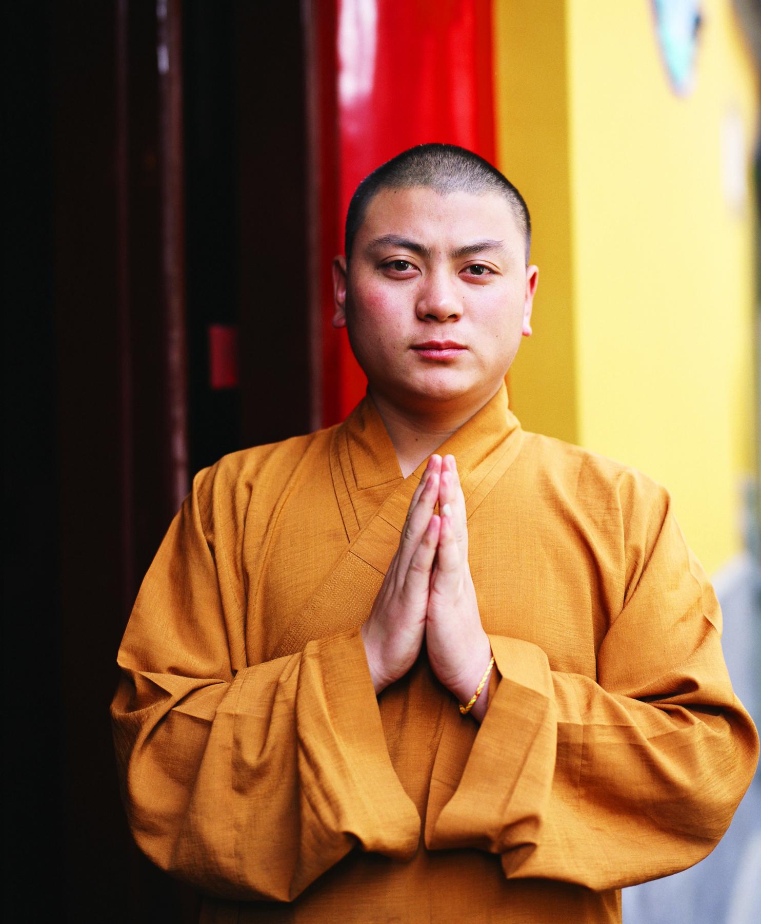 The proper way to greet a buddhist monk synonym m4hsunfo