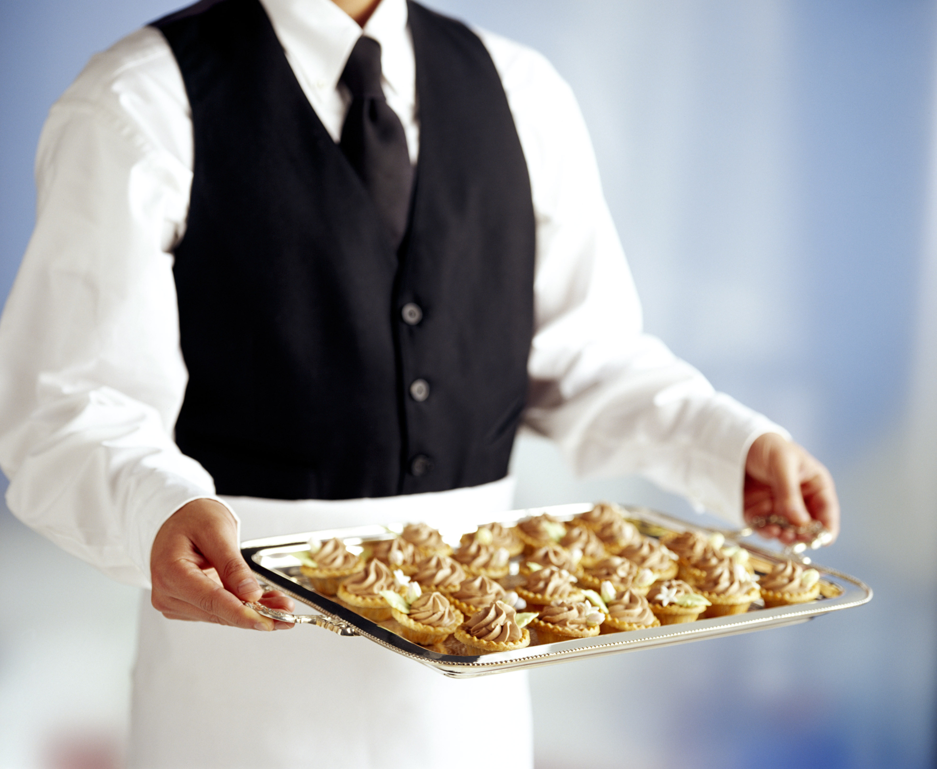 How to Calculate Cost & Quantities of Catering Food | Bizfluent