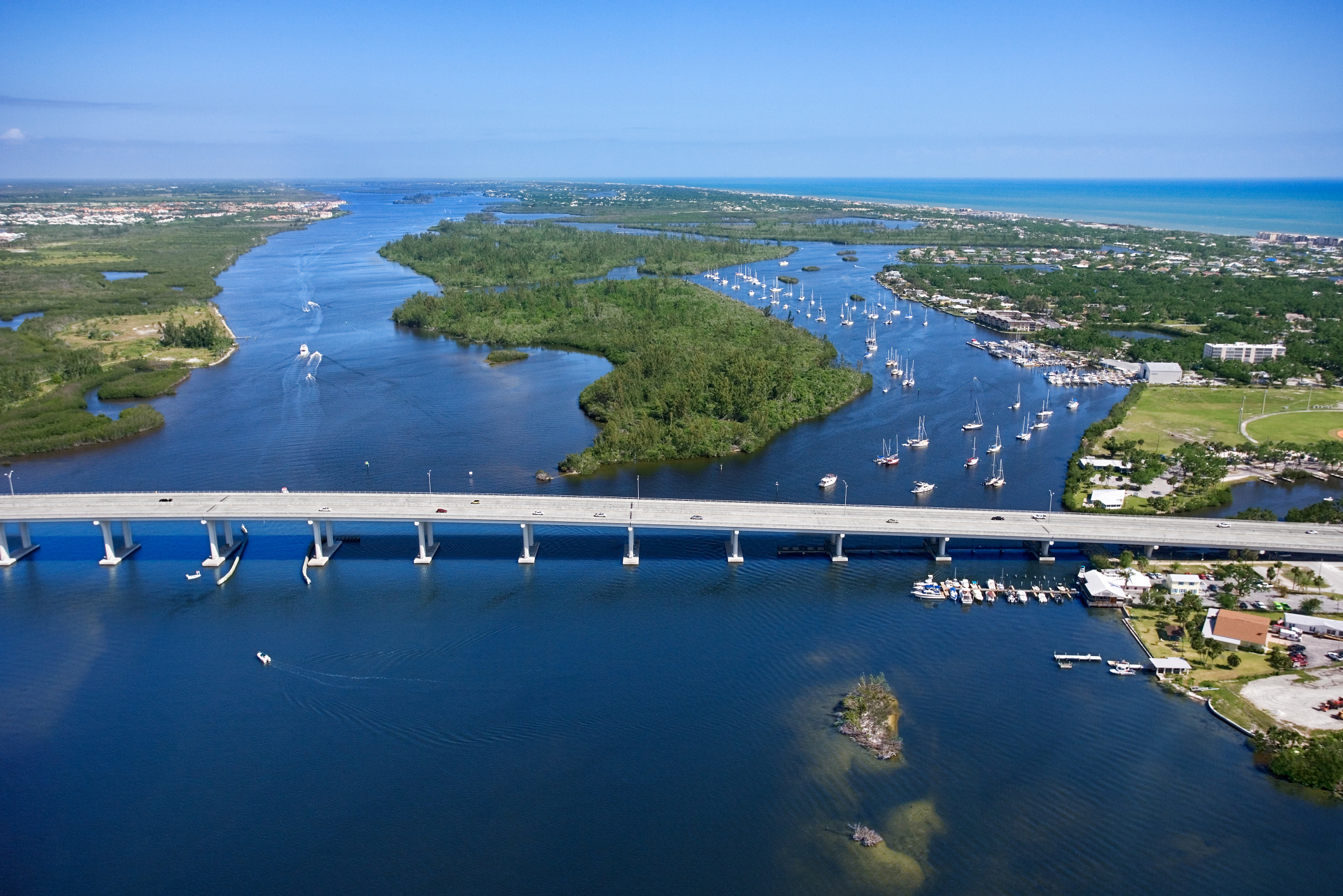 How To Rent A Houseboat To Cruise The Intracoastal Waterway Usa Today