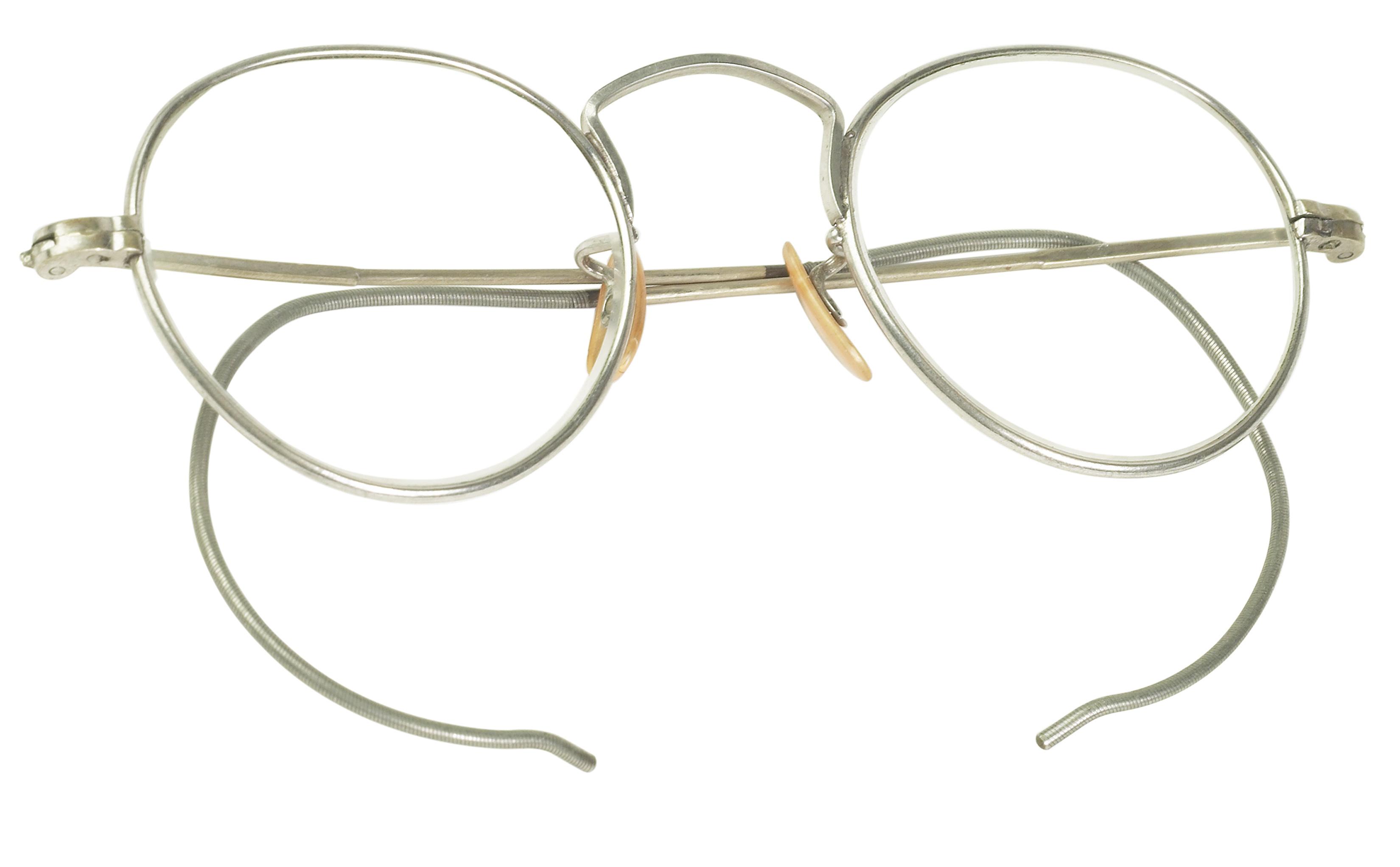 dec5085e86b How to Identify Antique Eyeglasses